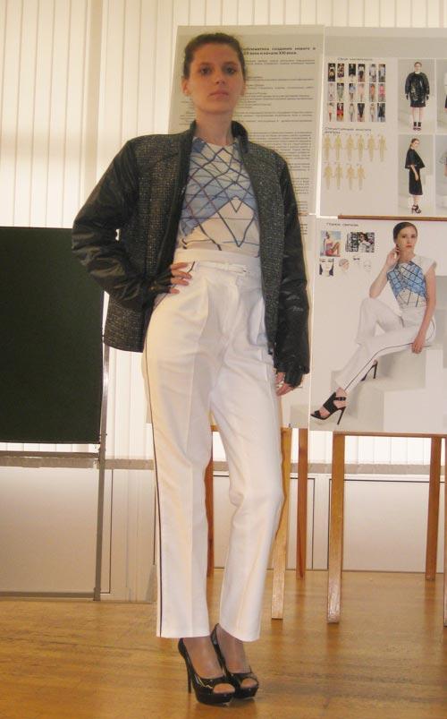 Защиты дипломов на кафедре Дизайна одежды Уральский архитектурно  3 июля на кафедре Дизайна одежды прошла защита дипломов на степень бакалавра
