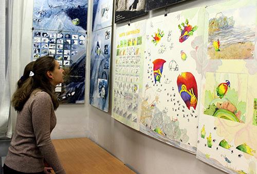 Выставка в ДХШ № Уральский архитектурно художественный университет  нашим университетом обусловлено тем что большое количество выпускников художественных школ хотят продолжить профессиональное обучение именно в УрГАХУ